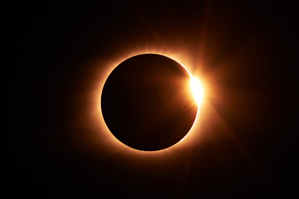 eclipse two realms
